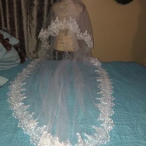 New Beautiful cathedral lace edges WH no comb